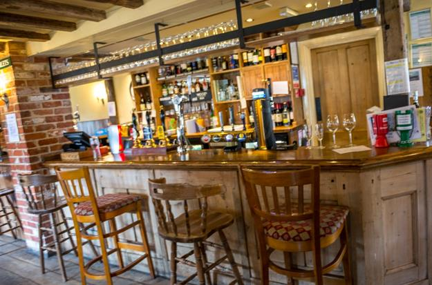 Hampshire Pubs This Christmas – The Rising Sun Clanfield – Open 7 days a week