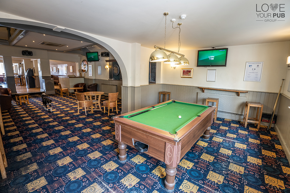 Southampton pubs showing live football the brass monkey - Shirley swimming pool southampton ...