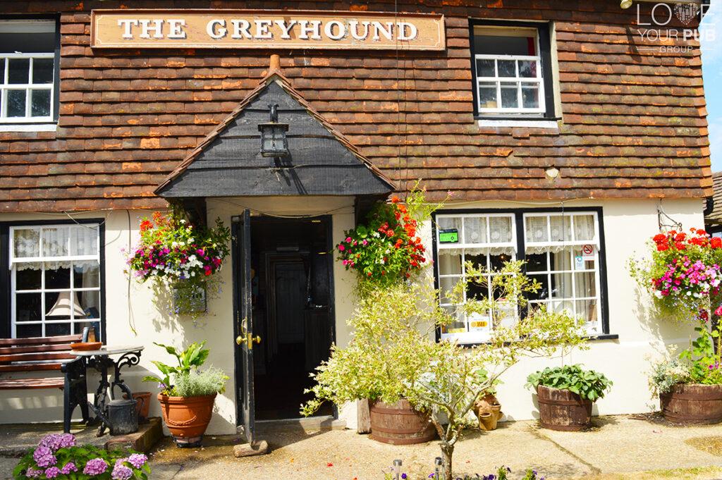 Pub Quizzes In West Sussex - The Greyhound Midhurst - Quiz