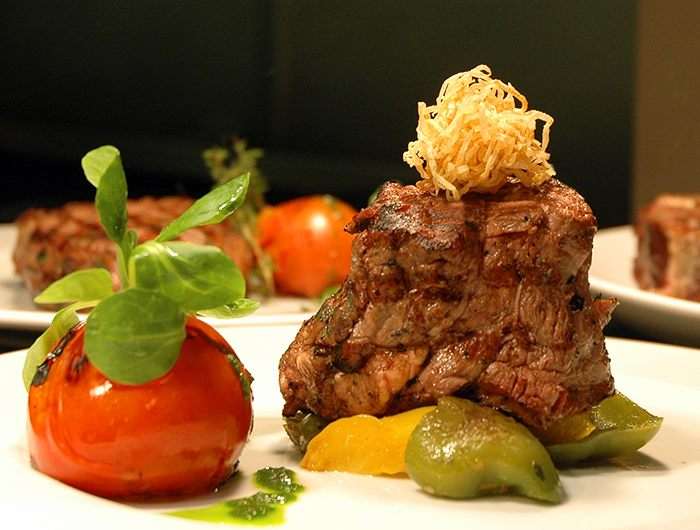 Winchester Restaurant Offers - Porterhouse Restaurant Offer 2 Course Chateaubriand Meal For 2 For Just £49.95!