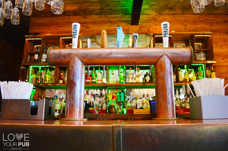 Bars In Gosport - Whats Happening This Month At The Victualler Harbourside Bar and Restaurant !