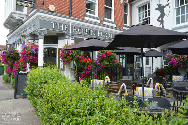 Christmas At The Robin Hood Inn - Book Your Tables Today !