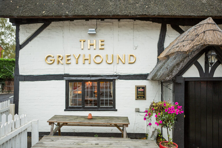 Pubs In West Sussex For Christmas – The Greyhound Midhurst Have A Delicious Festive Menu For All !!