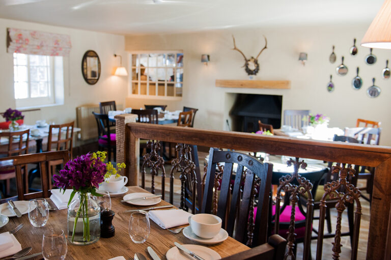 Country Pubs In Hampshire – Enjoy Valentines Day The Right Way With The White Hart Overton !