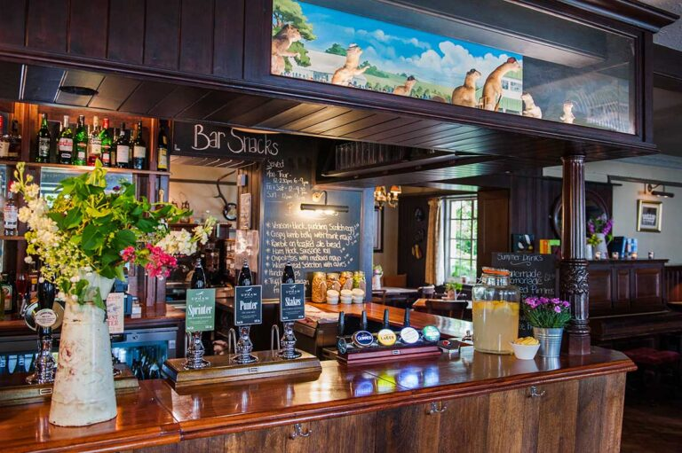 Pubs In Hampshire – Enjoy Good food, Good Drinks And A Catch Up With Friends With The Team At The Thomas Lord West Meon !
