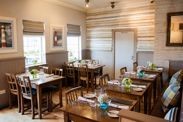 Country Pubs In Southampton – The Navigator Is the Perfect Spot For A Romantic Date Night With Food And Drinks!