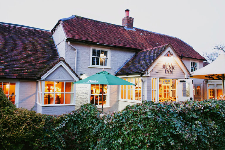 Pubs In Newbury – Have You Booked Your Table At The Bunk Inn Curridge Ready For Mothers Day !?