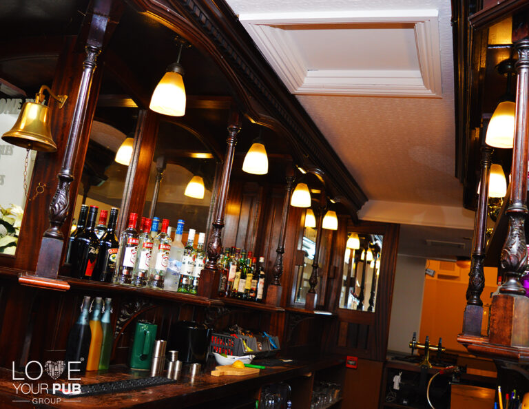 Pubs Showing Sport In Poole - Tables Available At The Sweet Home Inn !