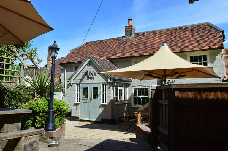 Overnight Stays In Berkshire - Spend The Night At The Bunk Inn !