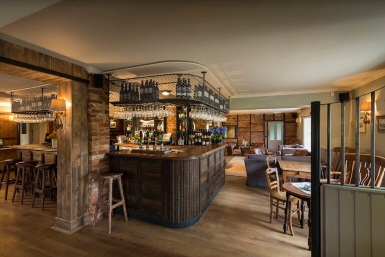 Dog Friendly Pubs In Hampshire - The Hawk Inn Andover