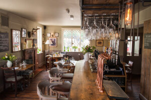 Pubs With Gift Cards In Hampshire - Treat A loved One At Peat Spade Inn !