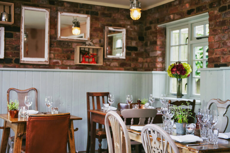 Pubs In Berkshire – Enjoy Your Catch Up With Friends At The Bunk Inn Curridge This Week !