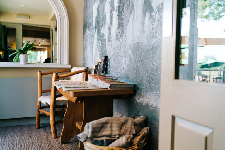 Hampshire Pubs For Dinner Near Winchester – Enjoy The Running Horse Littleton This Weekend !