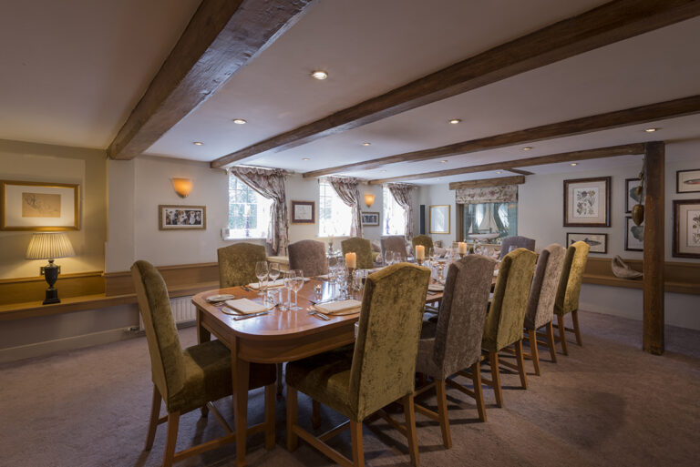 Country Pubs In Hampshire – Make Your Next Date Night At The Mill Inn - Check Out Their Beautiful Venue !
