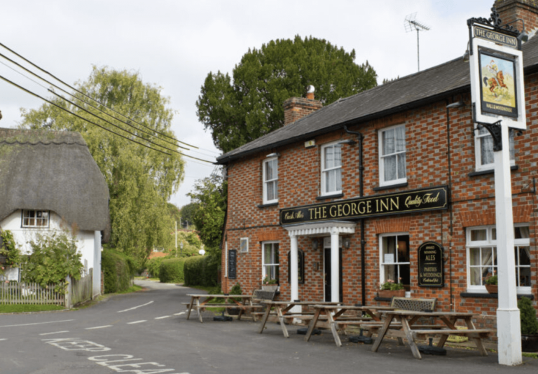 Festivities In Warminster – Start Your Christmas Celebrations The Right Way With The George Inn Longbridge !