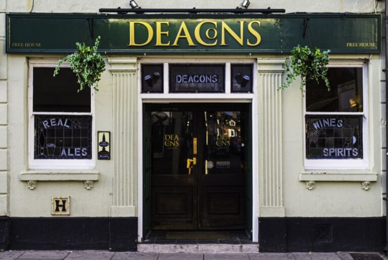 Local Pubs In Salisbury - Visit Deacons For Some Of The Best Beers In Town !