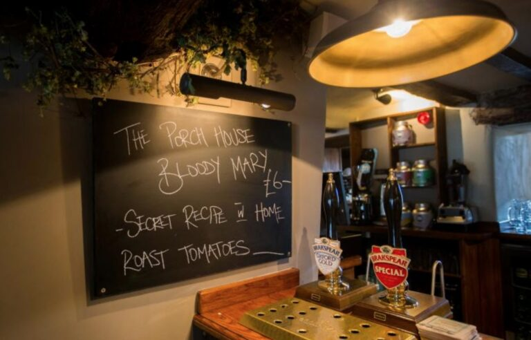 Pubs For Mothers Day In Stow On The Wold - The Porch House Has The Perfect Mothers Day Menu !