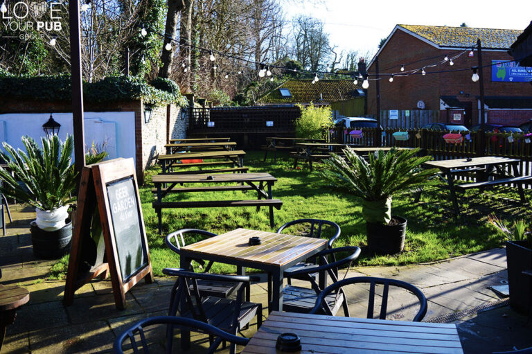 Pubs In Horndean - Join The Ship And Bell For Their Beer Festival !