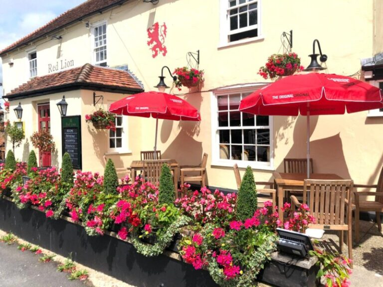 Best Hampshire Pubs With Food - It's Burger Week At The Red Lion Southwick !