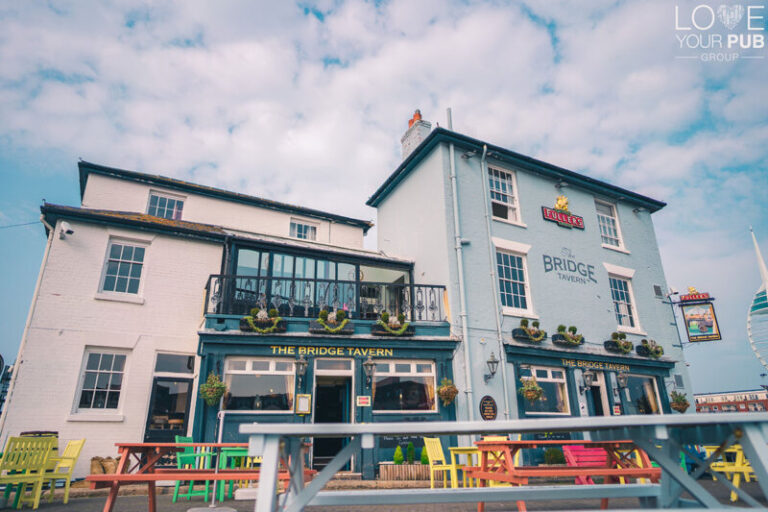 Pubs In Old Portsmouth - Seafood With A View At The Bridge Tavern !