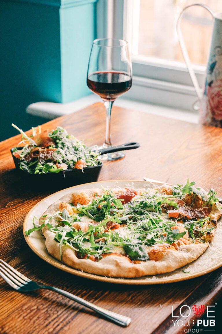 Eating Out In Winchester - Enjoy A Delicious Meal At The Willow Tree !