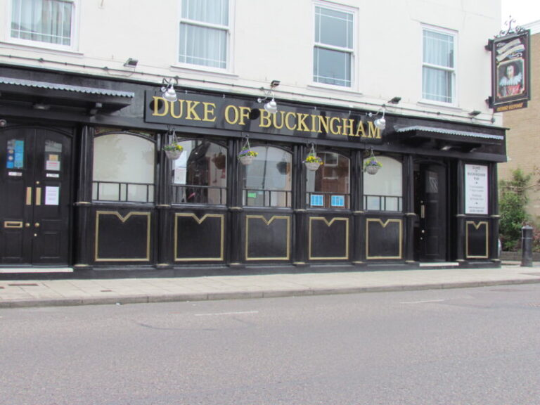 Pubs In Old Portsmouth - Enjoy The Summer At The Duke Of Buckingham !