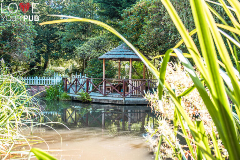 Country Pubs for Sunday Lunch - Visit Old Mill New Forest!